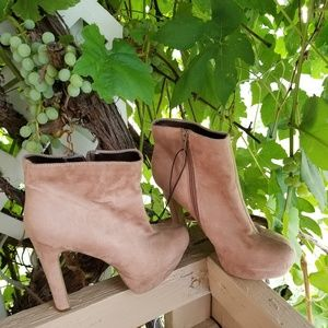 Shoes - Ankle boots booties
